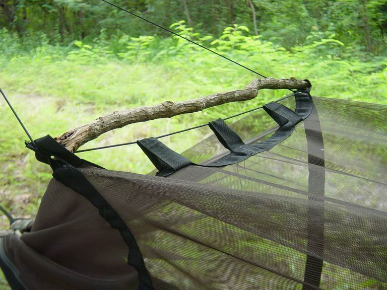 elastic line and through loops keep the  ting away from your body  jungle hammock   www mosquitohammock    rh   mosquitohammock